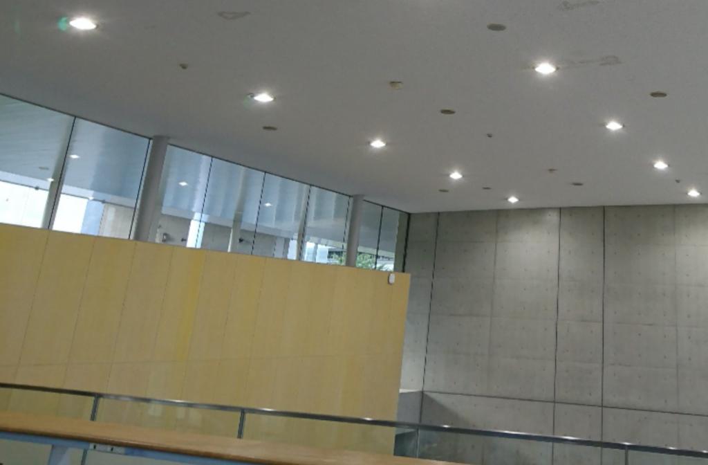 施設のLED照明